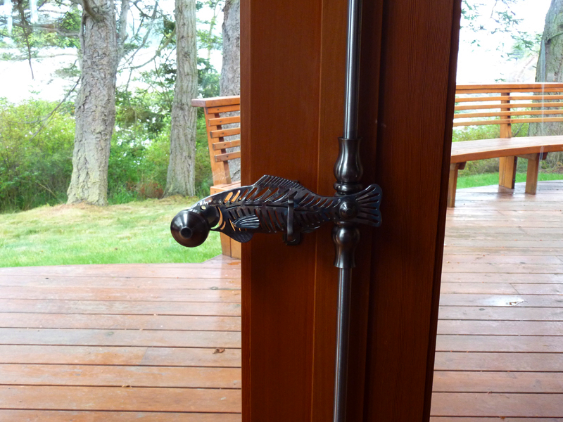 lodge-door-handle