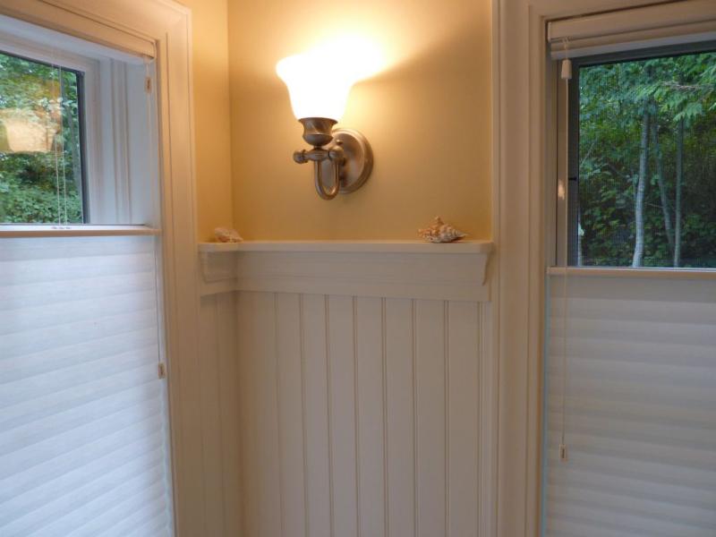 cottage-bath-detail